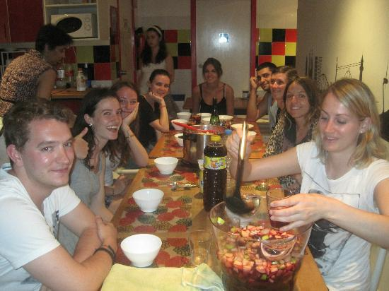 Pars Teatro Hostel: sangria evening