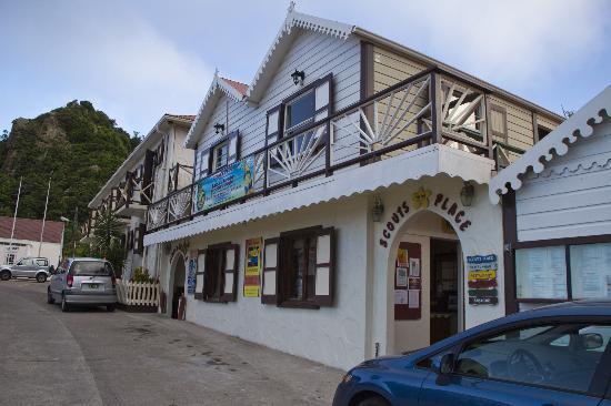 Scout's Place Hotel: Hotelansicht von der Strasse