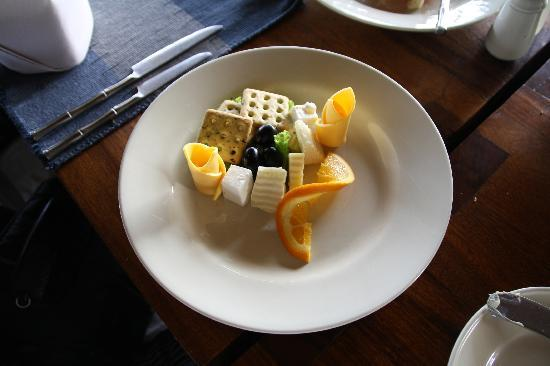 Jetwing Vil Uyana: fruit plate
