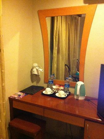 89 Hotel: Dressing Table
