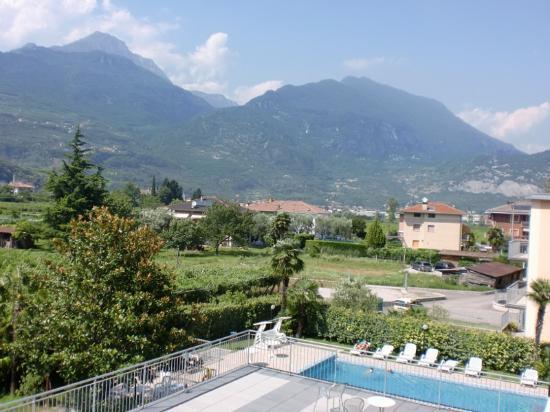 Hotel Campagnola: Garden-side view, 2nd floor.
