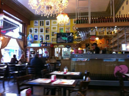 Café le Lombard: Decor inside