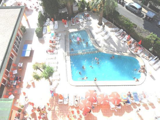 Gala Placidia Hotel: Pool from balcony