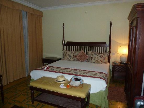 Hotel Saratoga: cama de 180