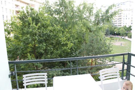 Residhome Courbevoie la Defense: balcony