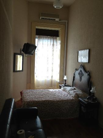 Santa Clara Guest House: vue d'ensemble de la chambre