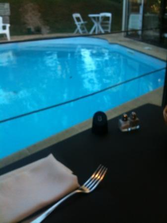 Hôtel Restaurant Séminaires La Foresterie : voilà dans quel cadre j'ai dîné hier soir, un régal. regardez entre la chaise et la gouttière un