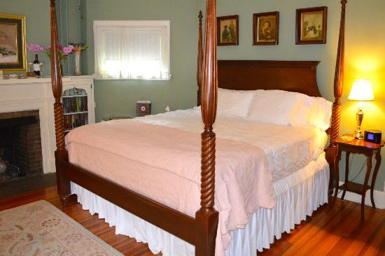 Pinecrest Bed and Breakfast : The Grace Room