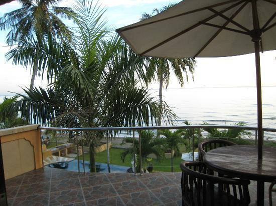 Dolphin Beach Bali: Patio at Penthouse 2
