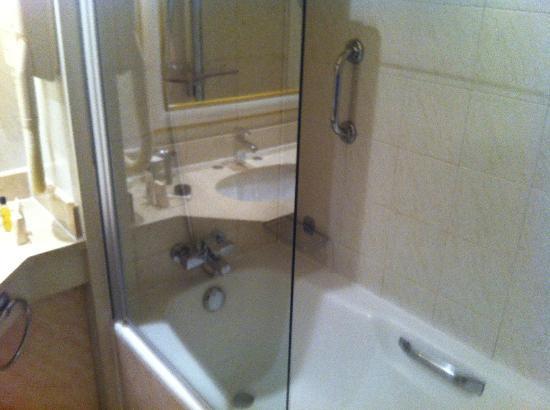 la salle de bain - Photo de Hilton Alger - TripAdvisor