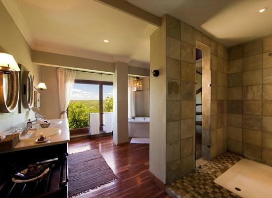 Ulusaba Rock Lodge: Ulusaba Rock Cliff bathroom