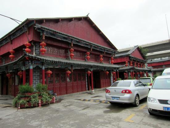 Yunnan Wholesale Tea Market: Tea stores -- many like these