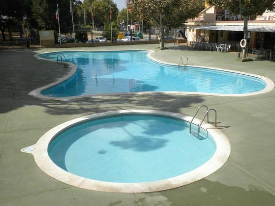 Camping Pinell: piscina