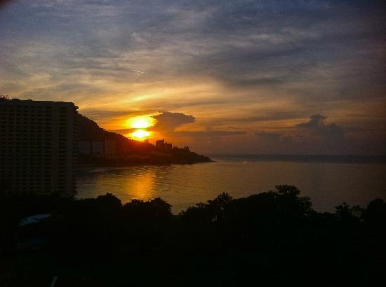 Copthorne Orchid Hotel Penang: Awesome sunset view.