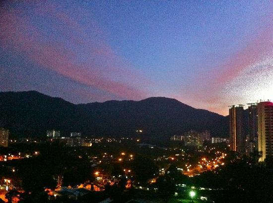 Copthorne Orchid Hotel Penang: Excellent sunset view.
