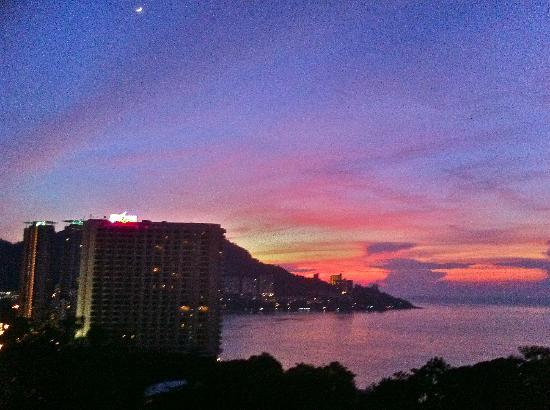 Copthorne Orchid Hotel Penang: Lovely sunset view.
