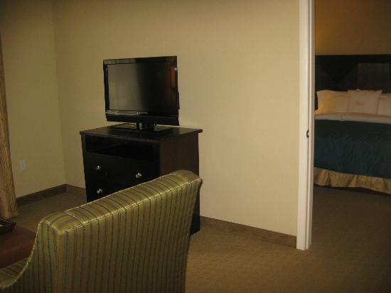 Hampton Inn & Suites Port Richey: The living room has a combo foot rest/coffee table
