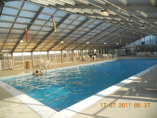 DoubleTree by Hilton Libertyville - Mundelein: piscina coperta