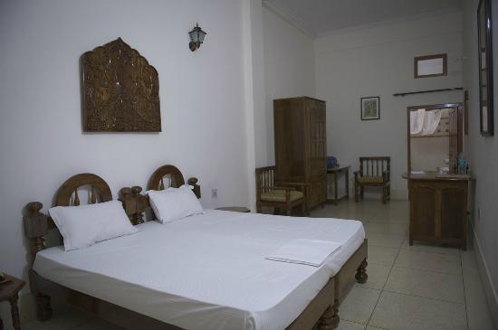 Homestay: Spacious, clean room
