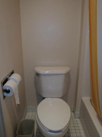 La Quinta Inn & Suites Plattsburgh: bathroom
