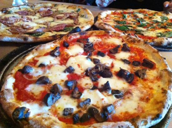 Pizzology: Roasted mushroom and onion pizza!
