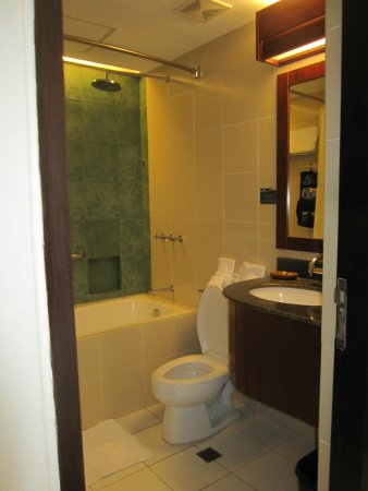 Beautiful Microtel Inn U0026 Suites By Wyndham Manila/At Mall Of Asia: The Bathroom With