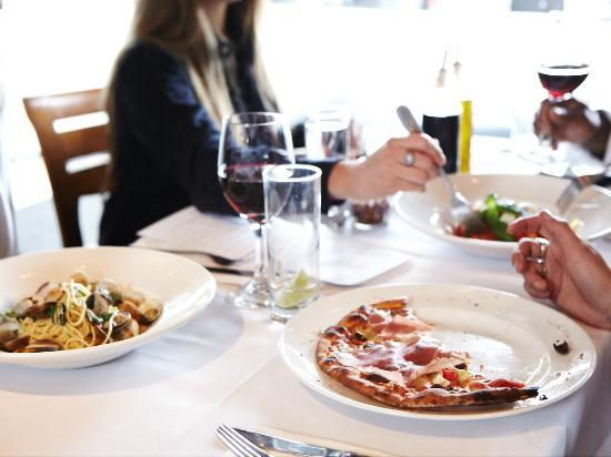 IL FORNELLO, Richmond Hill : Sharing a meal