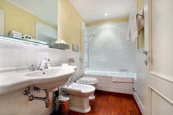 Piccolo Residence Apart-Hotel : bathroom detail