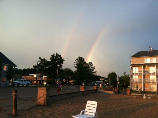 Dunes Waterfront Resort: Double rainbows over Hotel