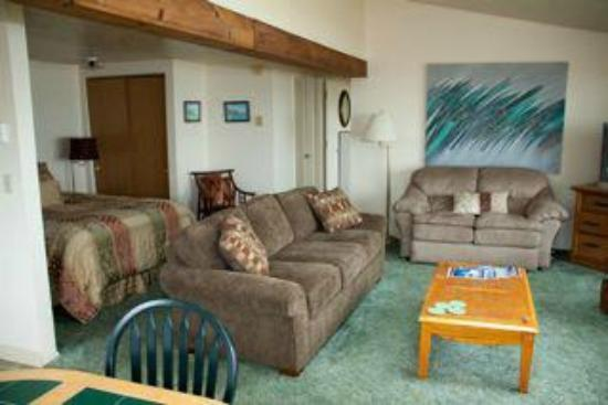 Beachcombers Haven : Super clean rooms. Big, Makes you feel like a home away from home.