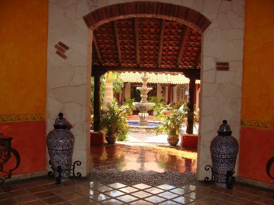 Royal Level at Occidental Cozumel : entrance