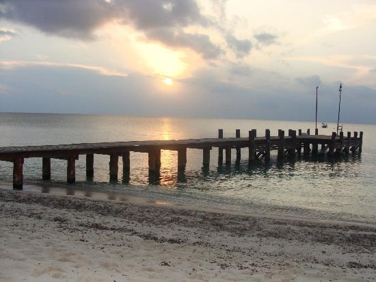 Royal Club at Occidental Grand Cozumel: sunset over jetty
