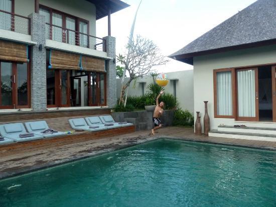 Jabunami Villa Canggu Bali : Villa Toba pool side
