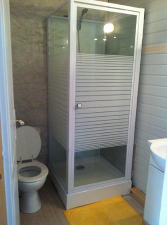 Chambres de l'Abreuvoir : la salle d'eau