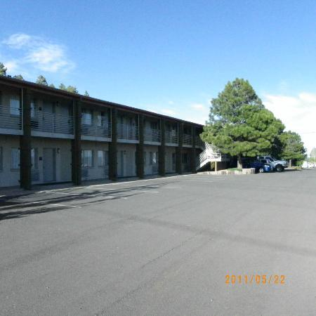Hotel Aspen InnSuites Flagstaff / Grand Canyon: view of hotel layout