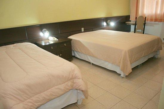 Dom Pedro I Palace Hotel: APARTAMENTO DUPLO SOLTEIRO OU CASAL e 01 CAMA DE SOLTEIRO STANDARD
