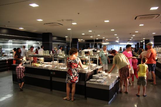 ويلنيس هوتل أورورا: Main restaurant