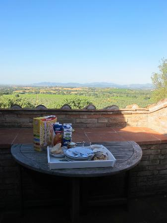 Pieve di Caminino Historic Farm: View from Bifora - breakfast!