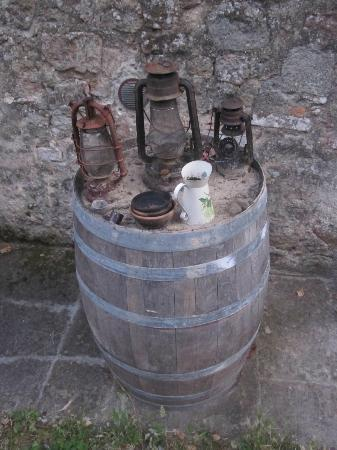 Pieve di Caminino Historic Farm: Lanterns