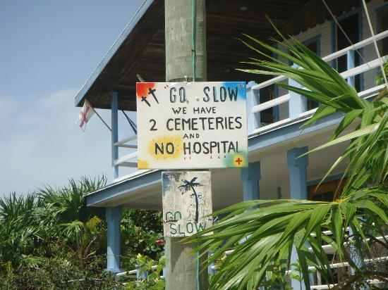 Caye Caulker, Belize: One car on the island - the bankers! Golf carts and bikes - Great!