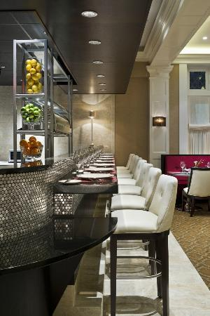 Paramour at Wayne Hotel: Chef's Bar in Dining Room
