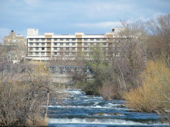 Holiday Inn Niagara Falls - By The Falls: View of the hotel....stunning location.