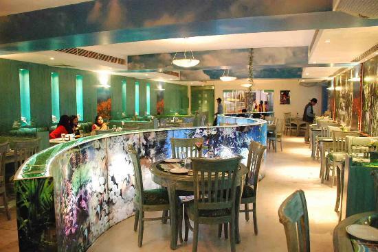 Hotel Woodland: River Restaurant