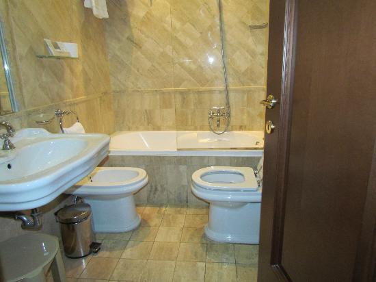 Il Gattopardo Relais: banheiro