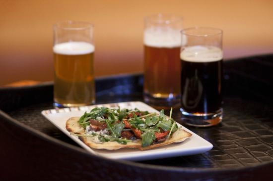 Paramour at Wayne Hotel: Beer Flights & Flatbread