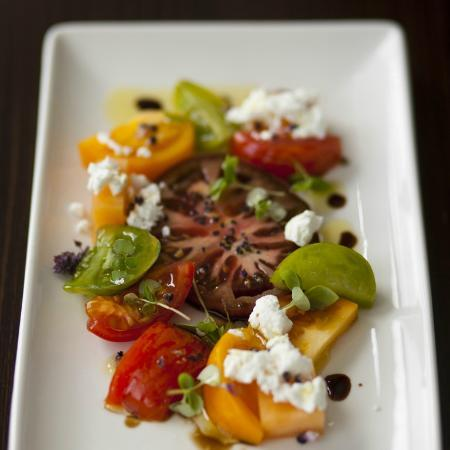 Paramour at Wayne Hotel: Heirloom Tomatoes & Goat Cheese