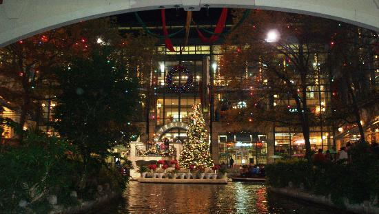 S At Rivercenter San Antonio 2018 All You Need To Know Luciano Mall Food Court Restaurants
