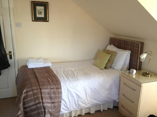 The Gables Guest House: Single bed -Twin Room