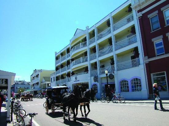 Photo of Lilac Tree Suites & Spa Mackinac Island