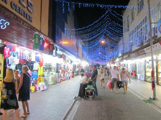 The harbor: Bazar